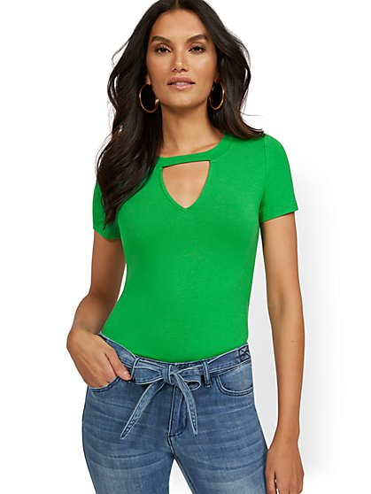 V-Neck Cutout Tee - New York & Company