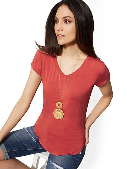 V-Neck - Soho Soft Tee - New York & Company