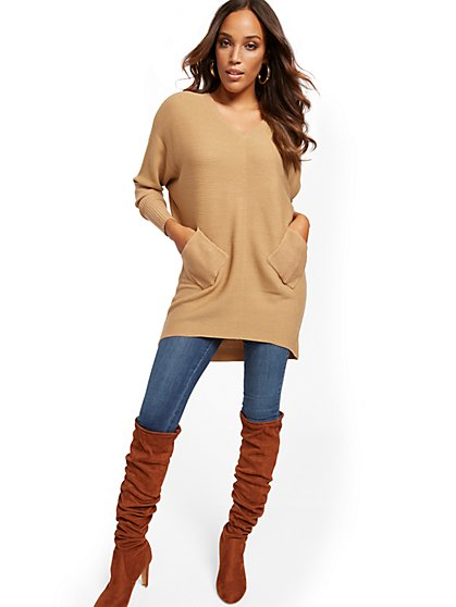 V-Neck Two-Pocket Tunic Sweater - New York & Company
