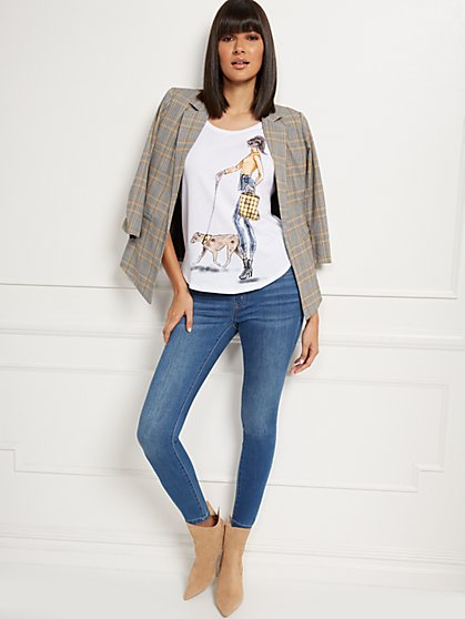Walking Girl Graphic Tee - New York & Company