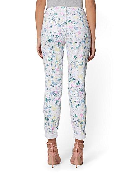 d4af8258afa8 ... White Paint-Splatter Curvy Boyfriend Jeans - Soho Jeans - New York    Company