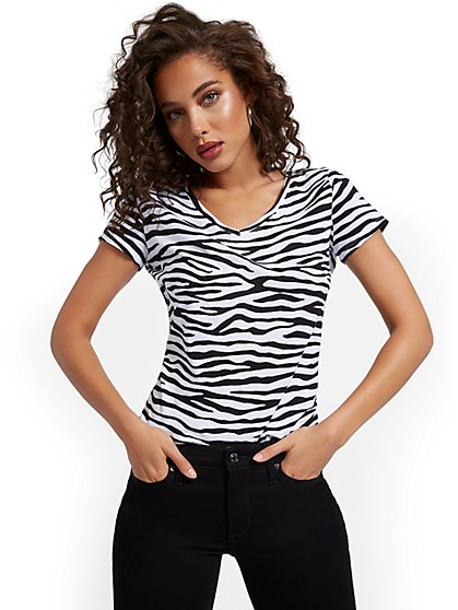 Zebra-Print V-Neck Perfect Tee - New York & Company