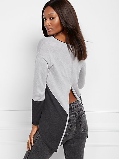 Zip-Back Colorblock Sweater - New York & Company